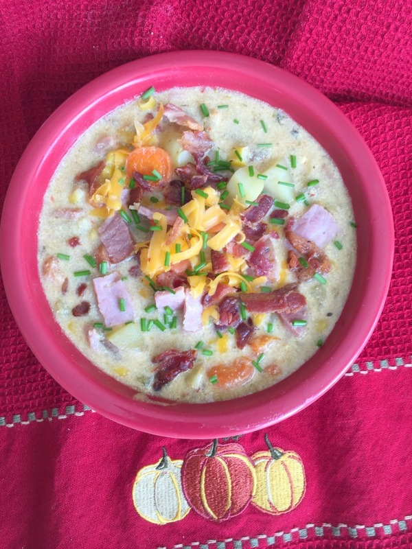 Cheesy Ham And Bacon Chowder