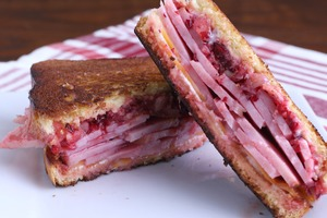 Grilled Ham And Cranberry Sandwich