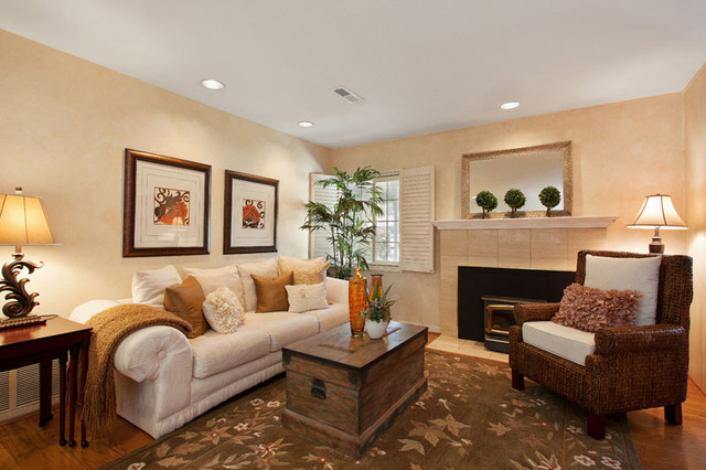 how to stage a small living room the z team realtors realty agency in mountain home ar 27605