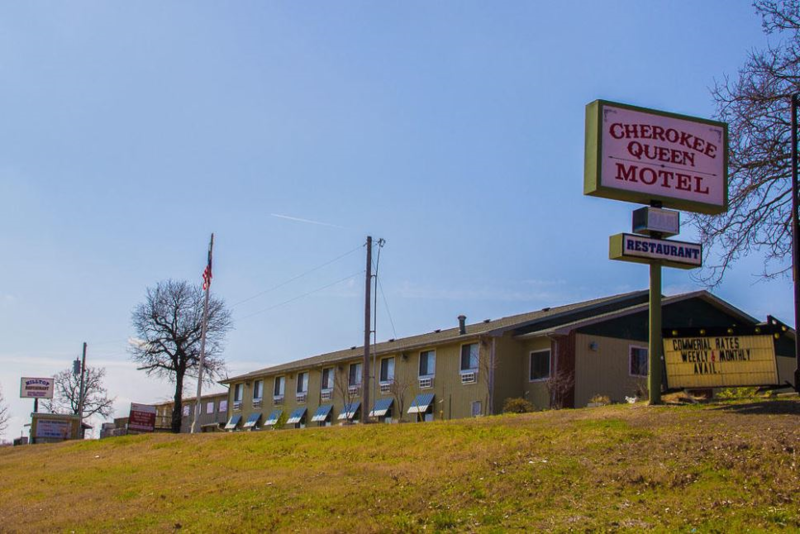 Cherokee Queen Motel & Restaurant