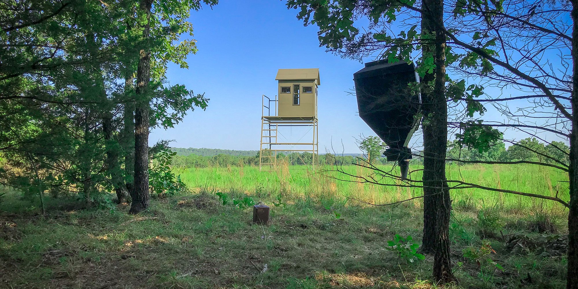 Insulated Deer and Duck Blinds Get Ahead of the Game