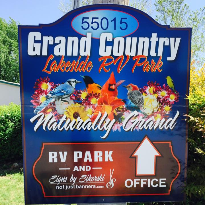 Grand Country Lakeside RV Park