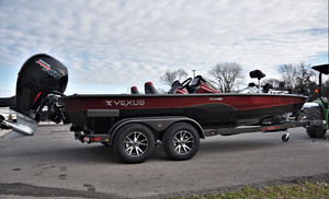 Black/Red Dual Pin Hull Trim