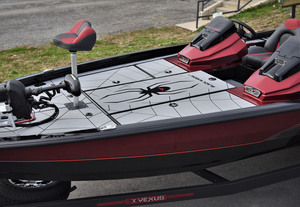 Exclusive Hard Case<sup>™</sup> Paint Design - Midnight Hull/Crimson Sides/Midnight Gunnels