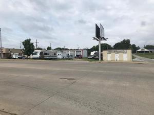 2020 S Main St, Grove OK